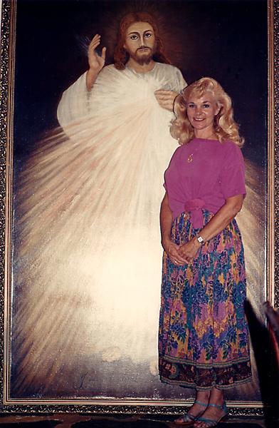 Jo's Divine Mercy Painting at EWTN[2305843009216498499]